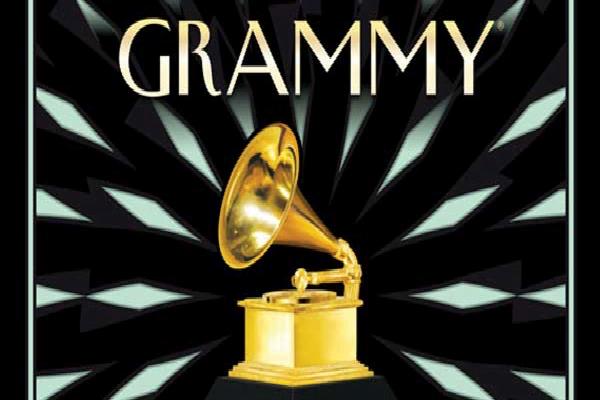 Adele 'regina' dei Grammy Awards 2017. Il 're' non poteva che essere David Bowie