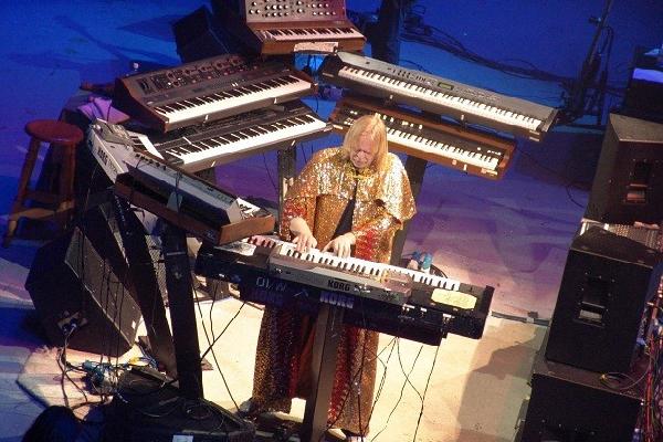 'Piano Portraits Tour': a maggio tre date della leggenda ...